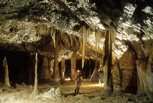 grotta lombrives