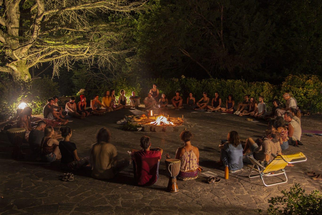 AHO' IL RITORNO ALLA TRIBÙ: esperienza in ecovillaggio Ciricea per riscoprire l'appartenenza all'Umanità.